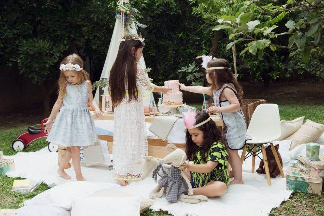 um-doce-dia-infantil-meninas-inspiracao-um-lunatico-cha-da-tarde-festa-dos-chapeus-09