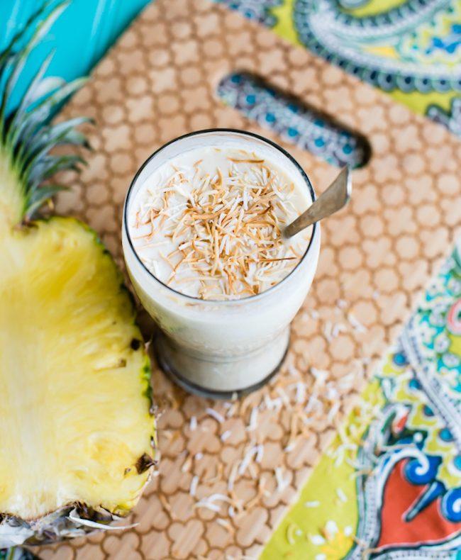 um-doce-dia-receita-milkshake-vegano-de-abacaxi-com-coco-01