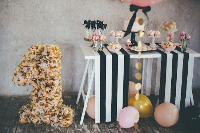 um-doce-dia-aniversario-ouro-e-confetes-cor-de-rosa-01
