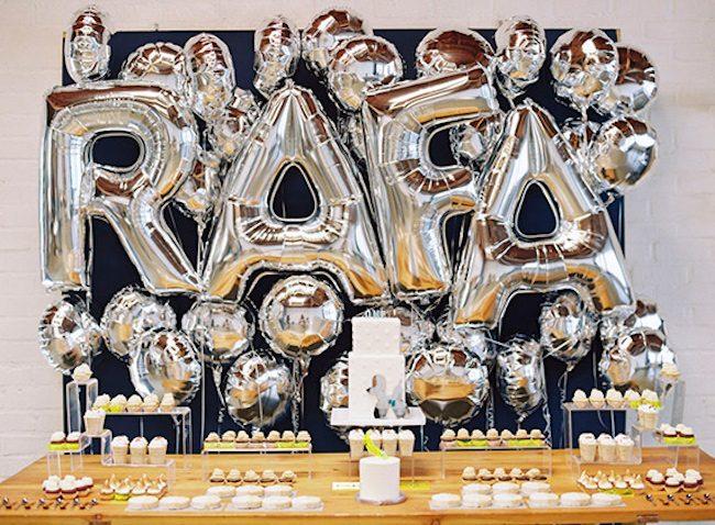 um-doce-dia-aniversario-pop-art-warhol-e-koons-05