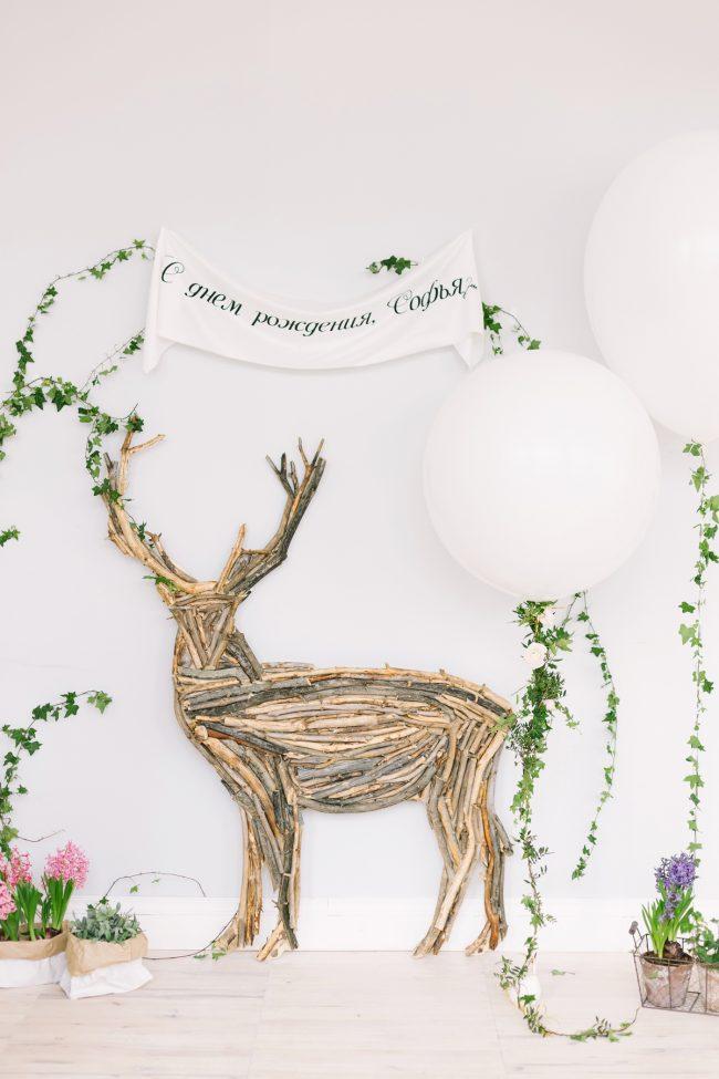 um-doce-dia-decoracao-festa-aniversario-meninas-como-um-bosque-em-um-conto-de-fadas-11