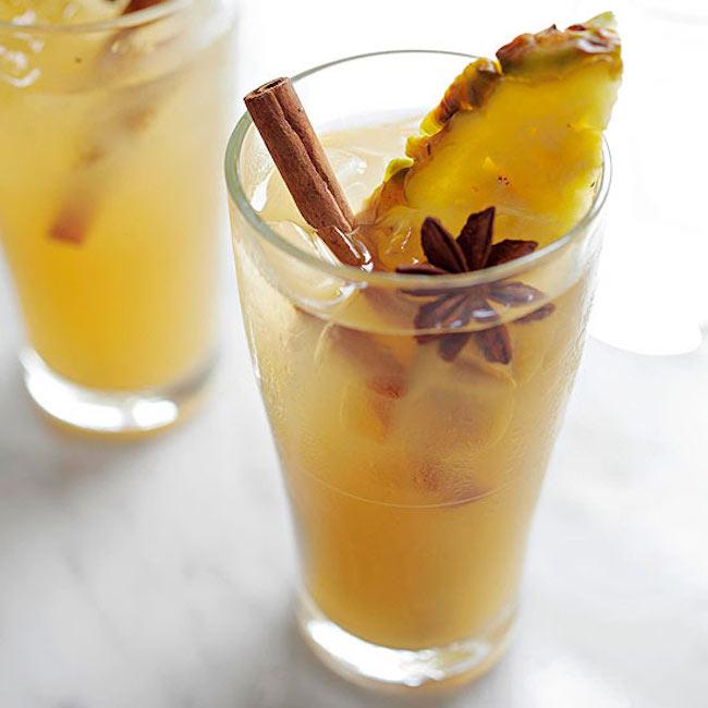 um-doce-dia-receita-quentao-tropical-de-abacaxi-01