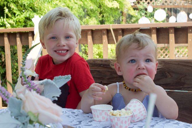 um-doce-dia-glitter-divertido-para-o-primeiro-aniversario-07