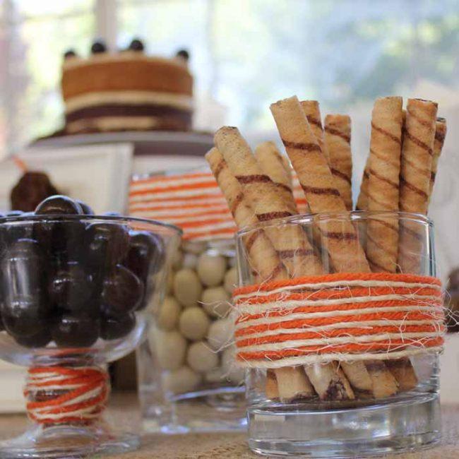um-doce-dia-decoracao-mesa-de-sobremesas-halloween-rustico-10