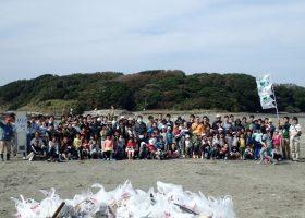 国際海岸クリーンアップ(International Coastal Cleanup : ICC)を実施しています。