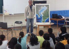 館山小学校で、木村尚さんのアマモのお話