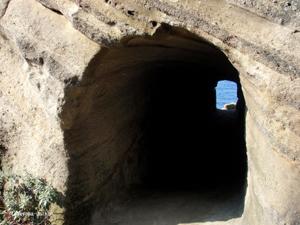 沖ノ島 洞窟