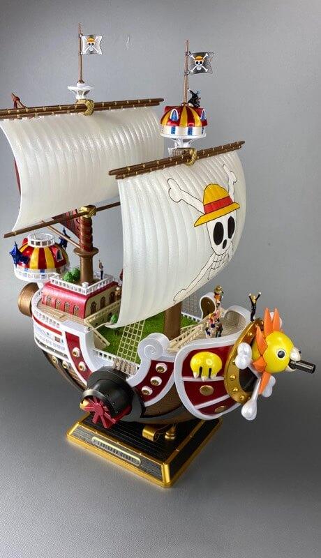プラモデルのサウザンドサニー号の完成品