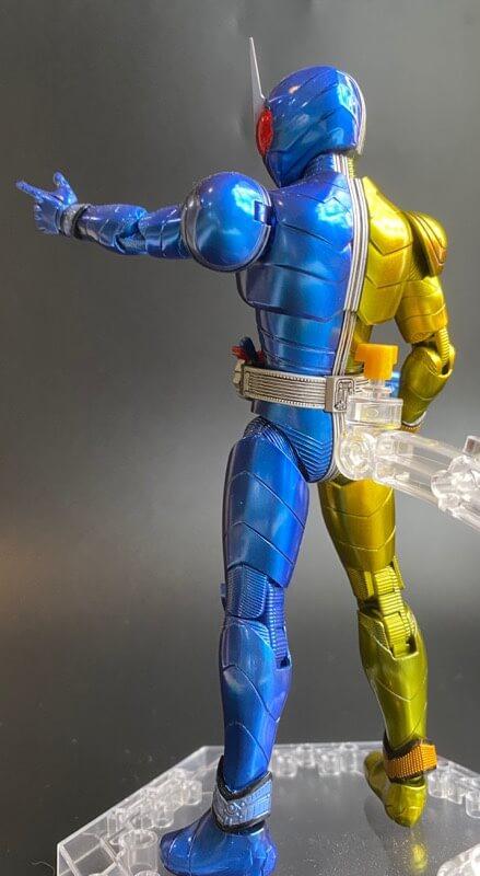 仮面ライダールナトリガーのプラモデルの完成品