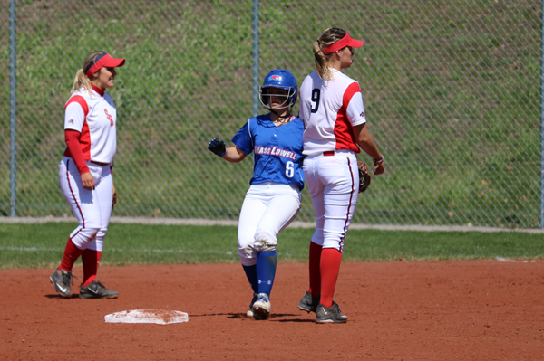 Sophomore outfielder Samantha McQueen reaches second base standing. She went 0-5 with a walk and an RBI between both contests.