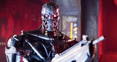موقع بريطاني: أمريكا سيحكمها روبوت فائق الذكاء بحلول عام 2028