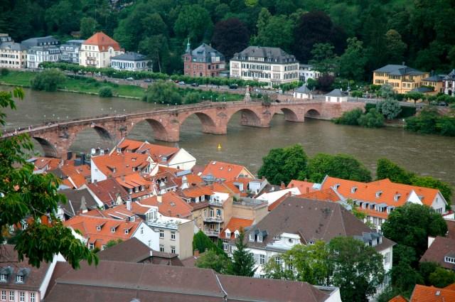 A Ponte Velha sobre o Rio Neckar