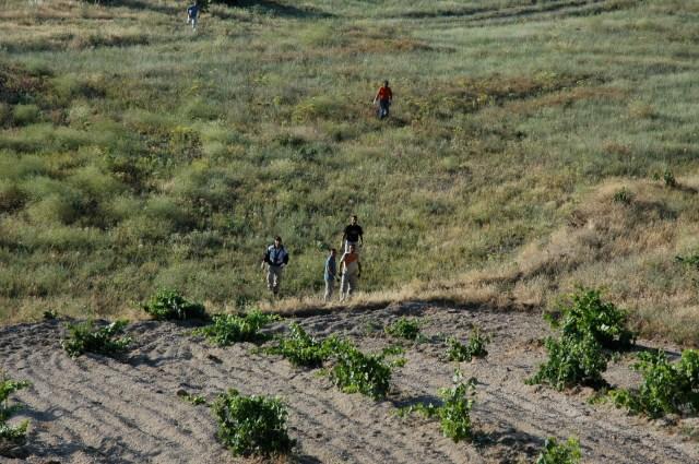 A equipe de terra preparada para resgatar o balão.