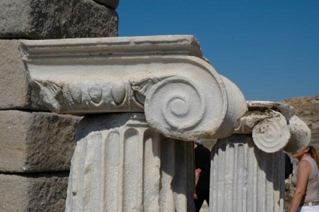 Colunas Jônicas de mármore