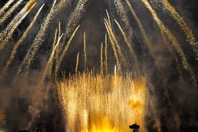 Fogos de artifício.