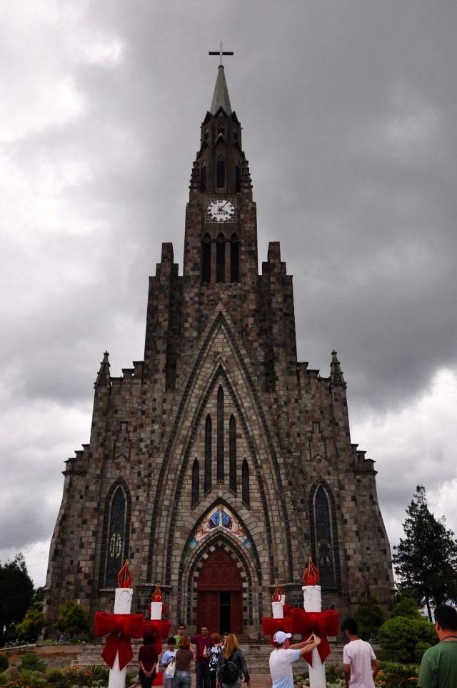 A igreja de Canela.