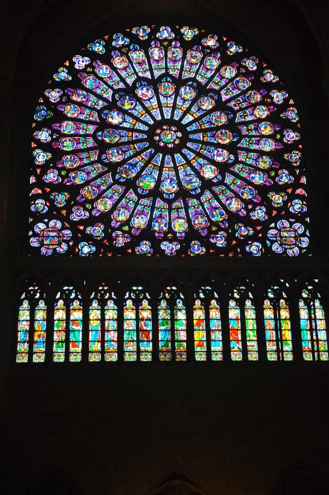 Os vitrais de Notre Dame