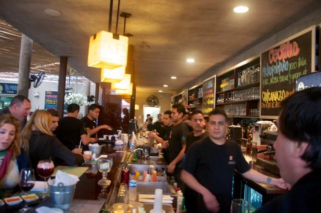 Bar do Restaurante La Mar.