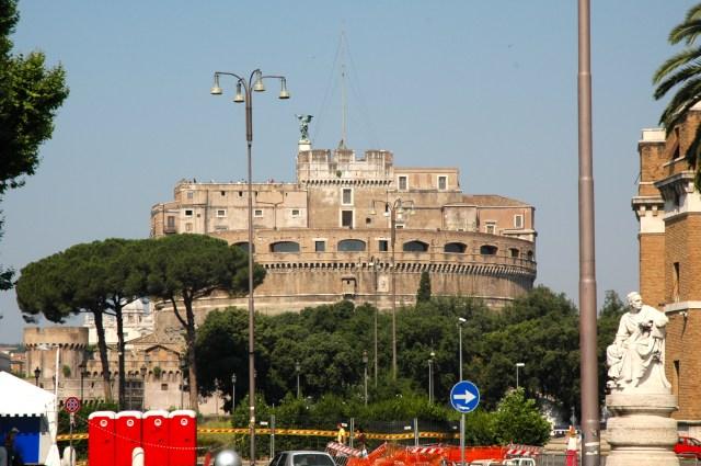 O Castelo Sant'Angelo.
