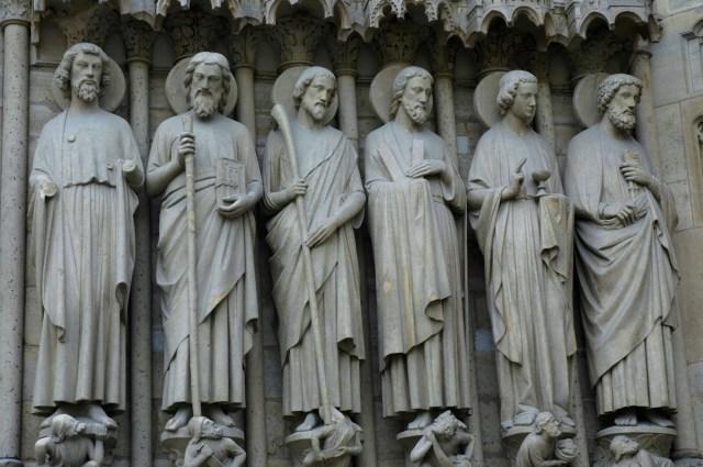 Detalhes da fachada da Catedral de Notre Dame.