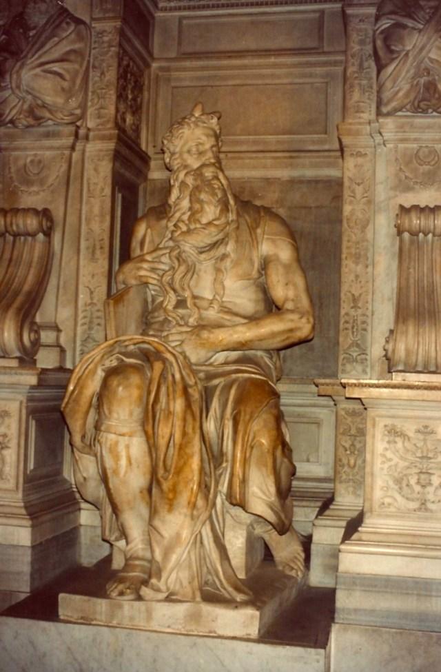 O espetacular Moisés de Michelângelo.