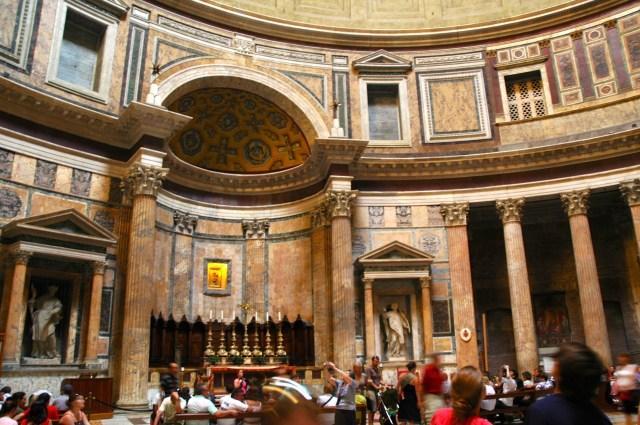 O interior do Pantheon.