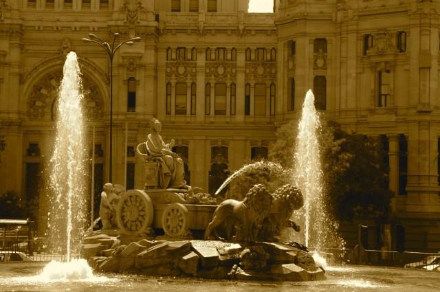 Madri é uma cidade de avenidas largas e fácil circulação.