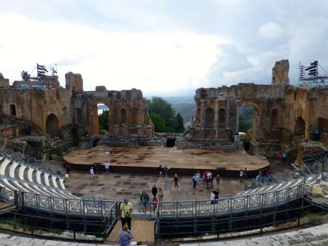 O anfiteatro grego de Taormina.