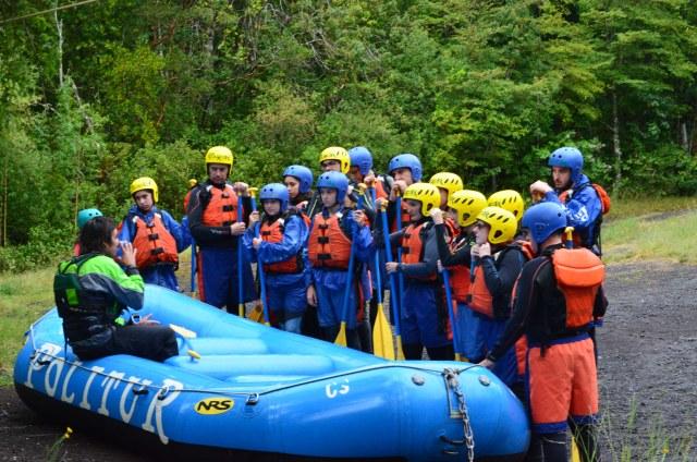 Aula sobre como sobreviver ao rafting :)