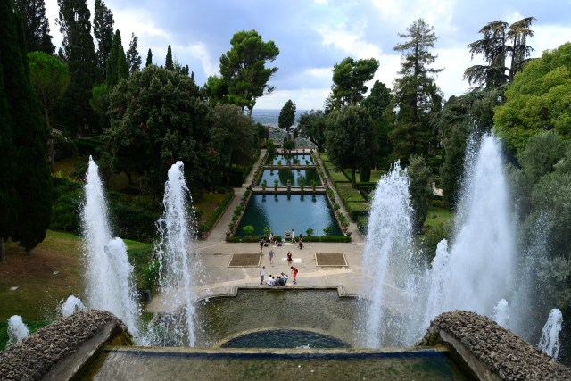 Os maravilhosos jardins da Villa D'Este.