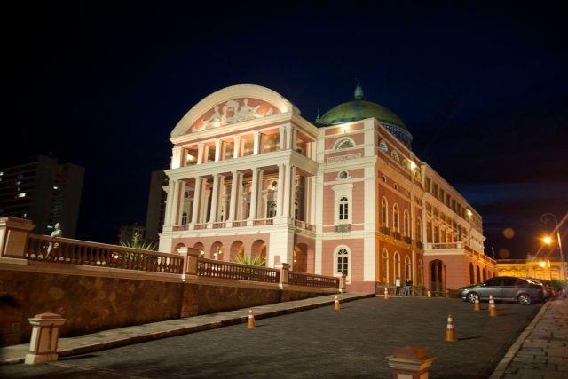O Teatro de Manaus no centro da cidade.
