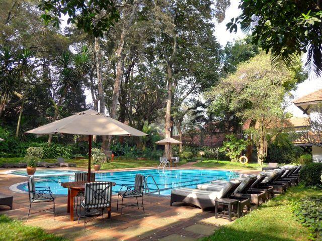 O jardim do Southern Sun Mayfair Hotel