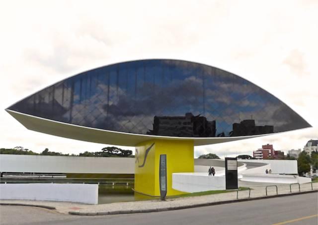 """O """"Museu do Olho"""" de Oscar Niemeyer"""