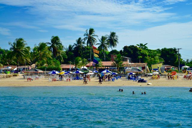 A excelente praia de Ponta de Areia.