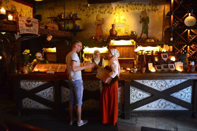 O restaurante medieval Old Hansa.