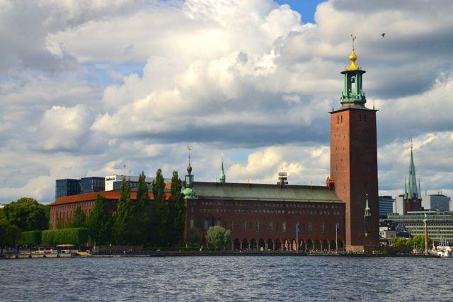 O Stadshuset, o prédio da Prefeitura.