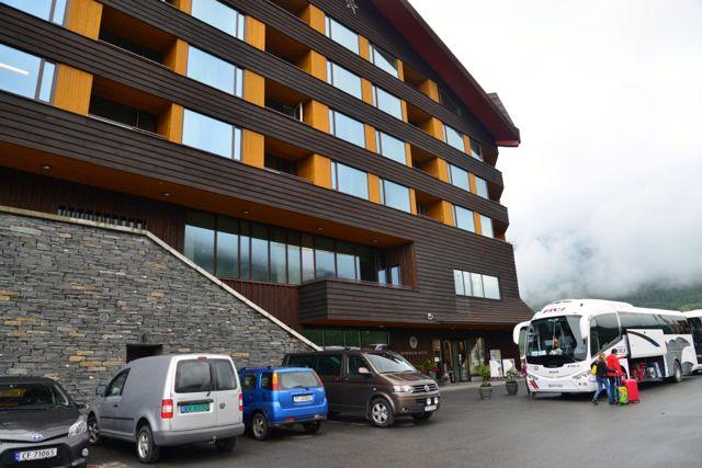 A estrutura do Hotel Myrkdalen serve de apoio aos visitantes que cruzam o país.