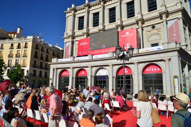 Apresentação de Ópera em praça pública
