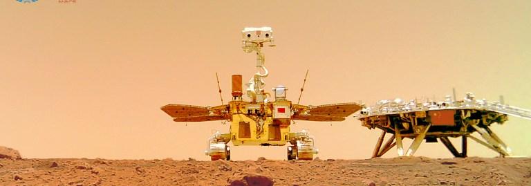 Çin, Zhurong ile Mars yüzeyinde