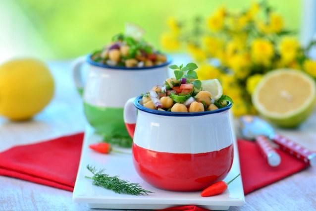 Nohut  Salatası ( Sebzeli Nohut  Salatası )