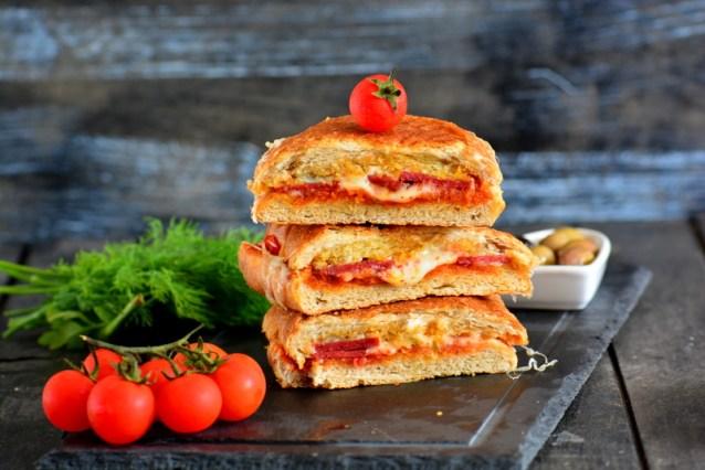 Pizza  Tost  Tarifi ( Videolu nefiss  tarif)