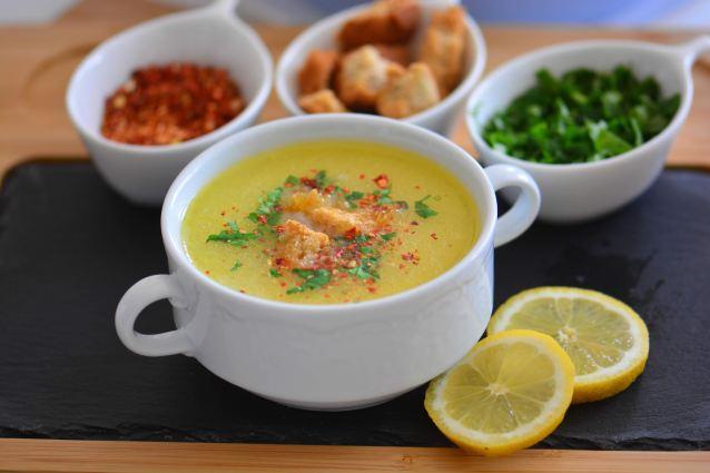 Tel Şehriyeli Terbiyeli Tavuk Çorbası