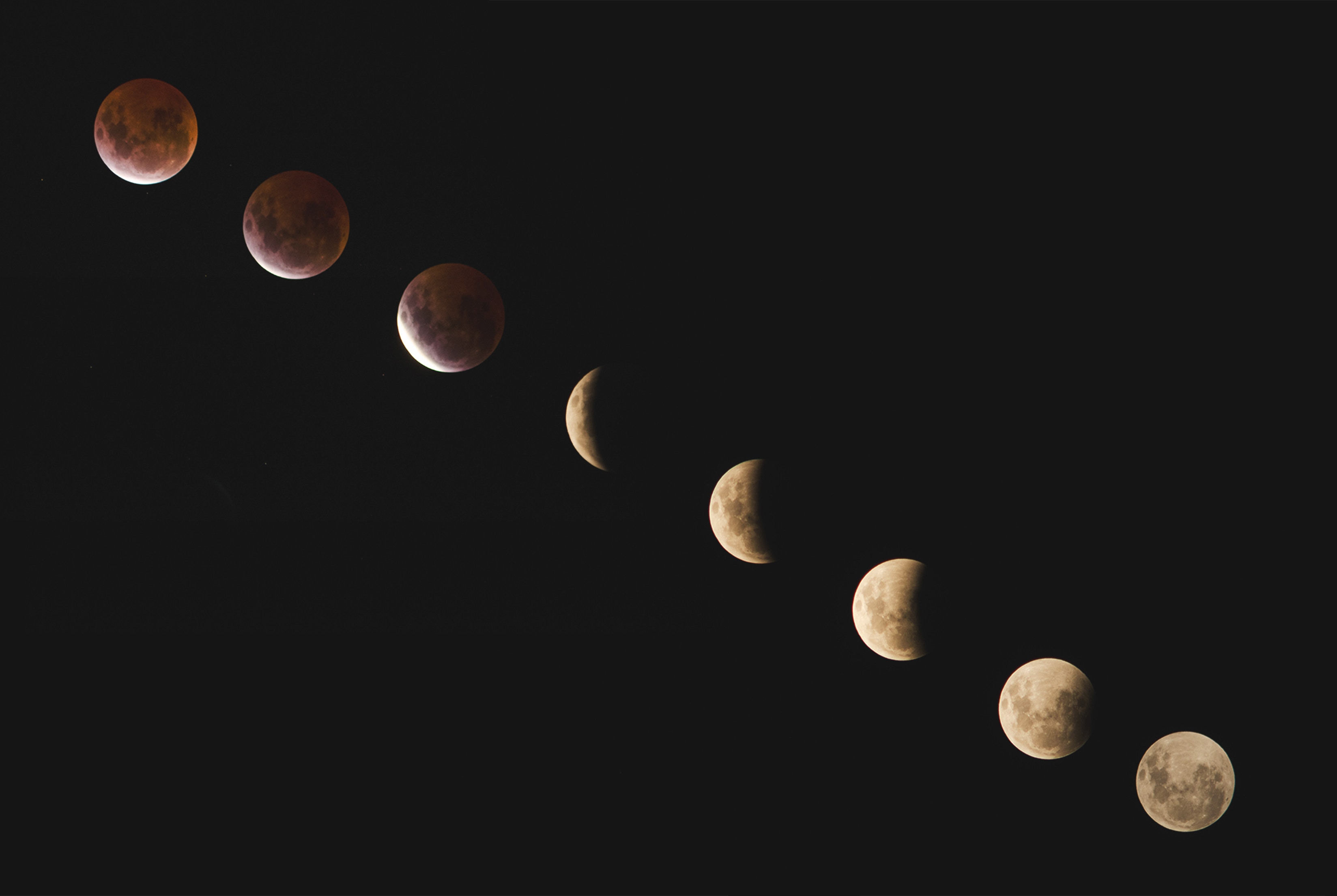 A picture of the moon phases by Linda Xu on Unsplash