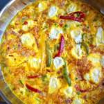 Omelette aux lardons, petits pois et chèvre