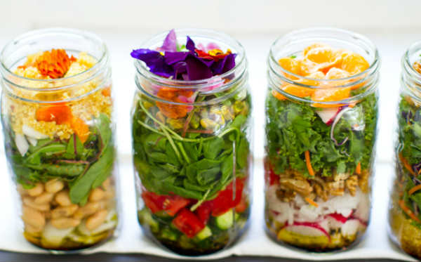 salad-in-a-jar-mason-vegan 3