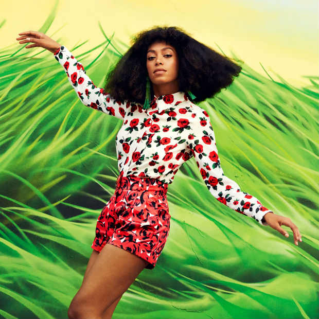 solange_blow_out_hair_harpers_bazzar-1