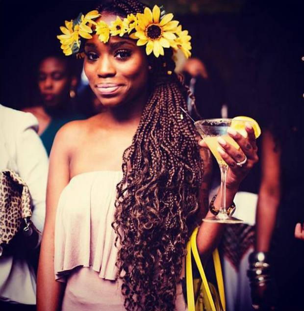 braids_flower_crown_sidepony