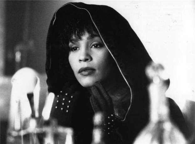 02092015_WhitneyHouston_Hood_Bodyguard_Bang_BlackHair
