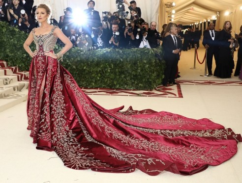 Blake Lively, Versace Atelier