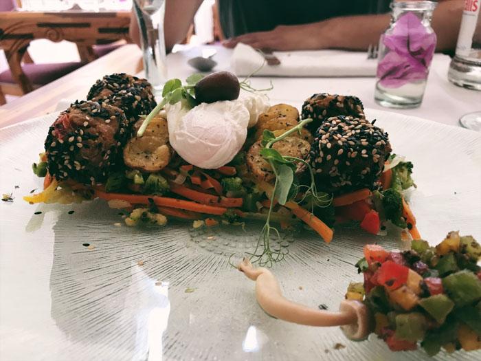 Lunch at Em Carne Viva